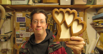 oak-heart picture frame